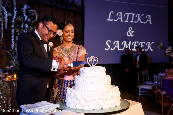 indian wedding reception,indian bride,indian wedding cakes