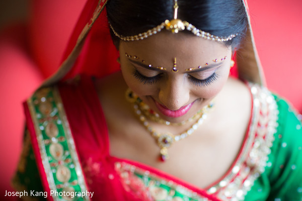 indian bride makeup,indian bridal hair accessories