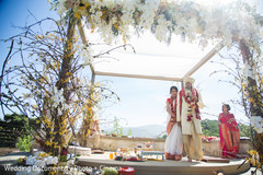 indian wedding ceremony,indian wedding couple