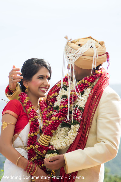 indian wedding couple,indian wedding fashions