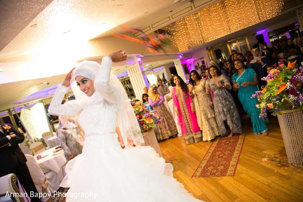 indian bridal bouquet,indian wedding dress