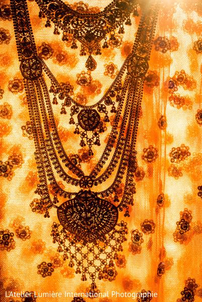 indian wedding lengha,indian bridal fashions,ceremony fashion,indian bridal jewelry