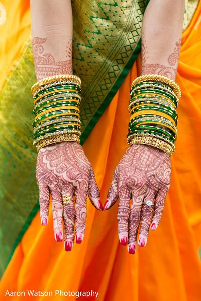 mehndi artist,indian wedding mehndi party