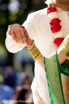 indian wedding couple,indian bridal jewelry