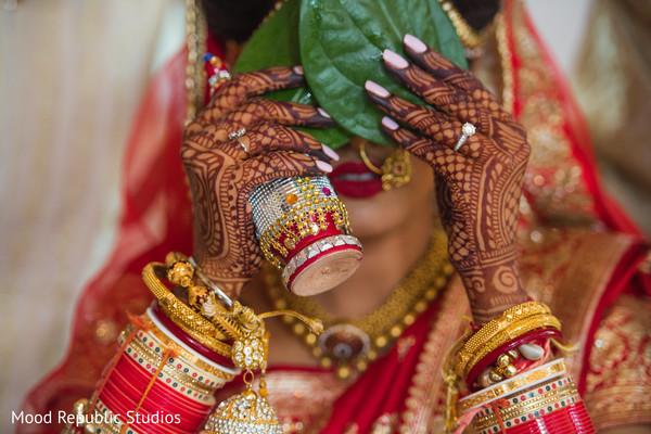 indian sari,bengali bride,indian bride,mehndi art