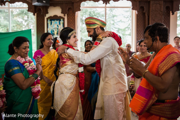 jaimala,indian wedding,indian fusion wedding