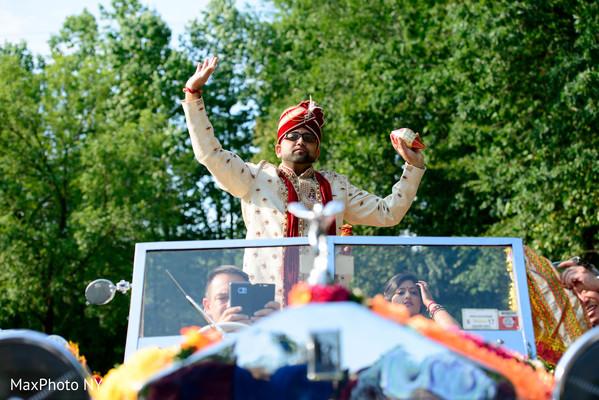 indian groom,indian wedding baraat
