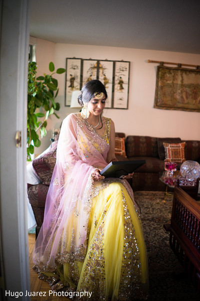 indian bride reception fashion,indian bridal jewelry,pre-wedding reception photography