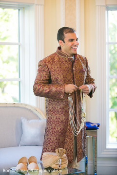 indian groom sherwani,indian groom,ceremony fashion,indian bride getting ready