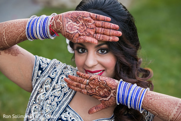 indian bride,indian wedding mehndi,indian wedding henna,indian wedding portrait