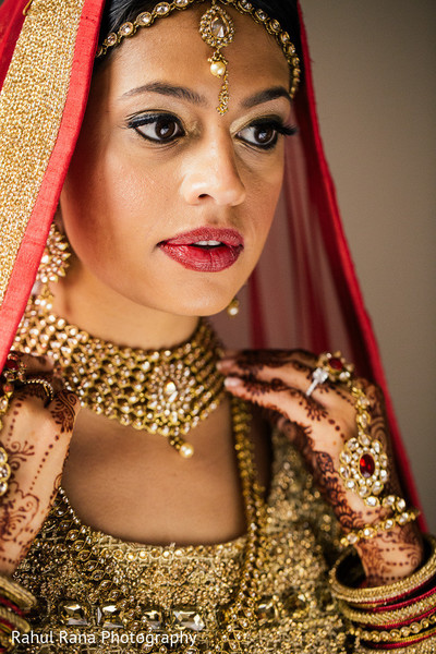 bride bangles,indian wedding henna,pre-wedding ceremony photography