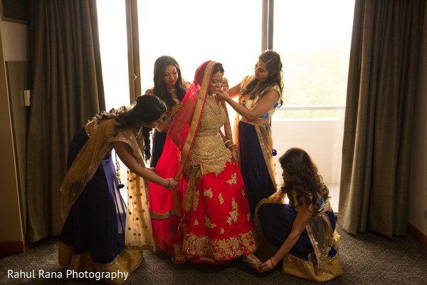 indian bride getting ready,indian bridesmaids' fashion,indian bridal fashions