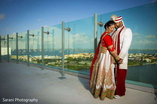 indian bride and groom,outdoor photography,indian groom turban