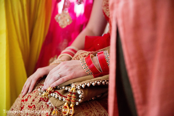 bride bangles,indian bride ceremony fashion,indian wedding gallery