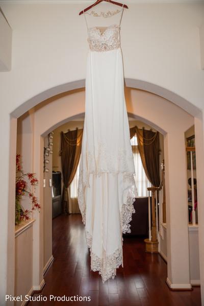 indian bride getting ready,indian wedding dress,indian bridal fashions