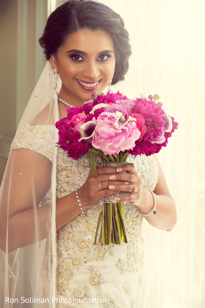 indian bridal bouquet,indian wedding bouquet,indian bridal fashions