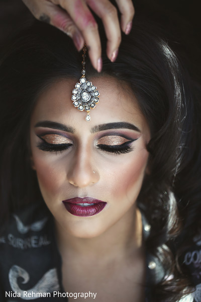 indian bridal jewelry,bridal tikka,indian bride makeup