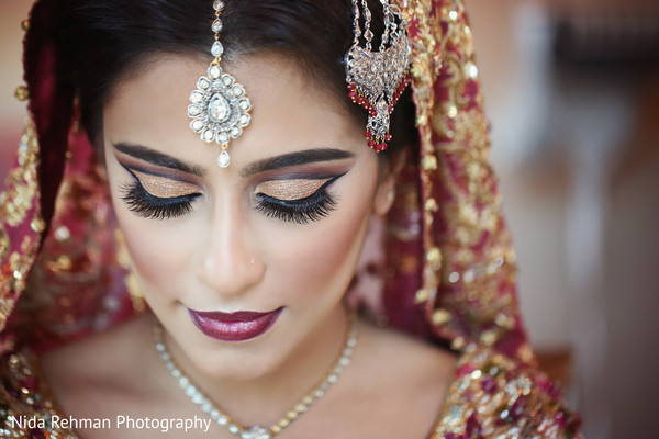 indian bride,indian bridal jewelry,indian wedding portrait,indian bride makeup