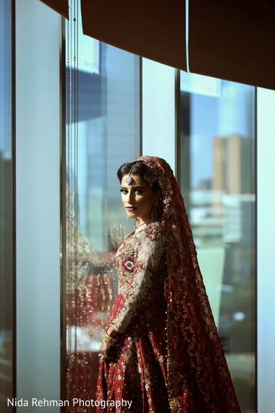 indian bride,indian wedding portrait,indian wedding lengha