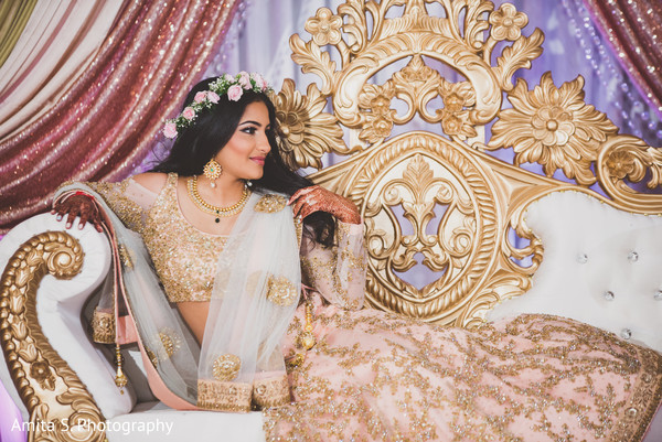 indian wedding reception,indian wedding reception floral and decor,indian bride,indian wedding portrait