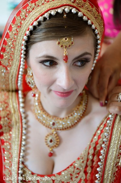 indian bride,indian bridal fashions,indian bride getting ready,indian wedding jewelry