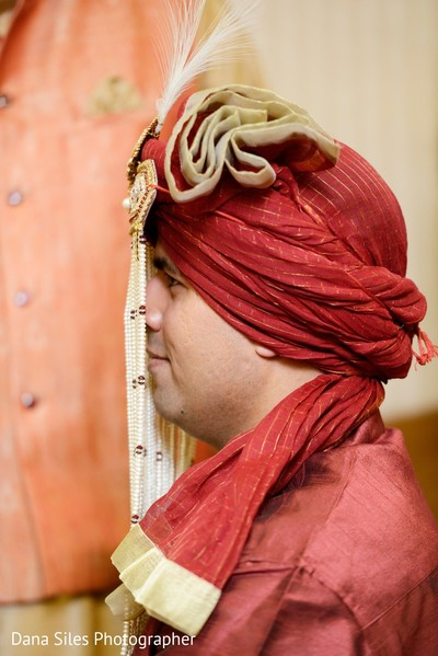 indian groom,ceremony fashion,indian groom turban