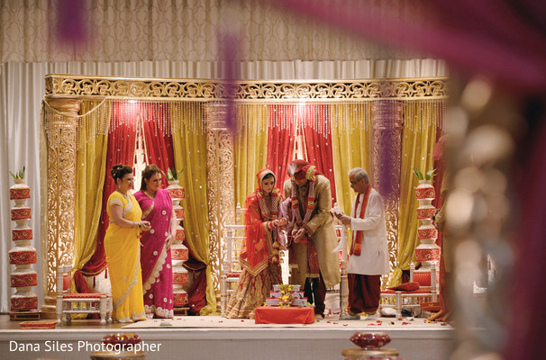 indian wedding ceremony,indian wedding photography,indian wedding mandap