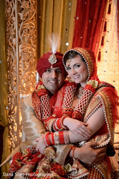 indian groom,indian bride,indian wedding portrait,ceremony fashion