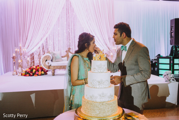 indian wedding reception,indian bride,indian groom,indian wedding cakes