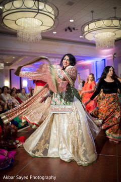 indian wedding gowns,indian bridal fashions