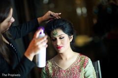 tikka,indian bridal jewelry,indian bride getting ready