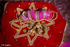 indian bride,indian bridal jewelry,bride bangles,indian bride accessories
