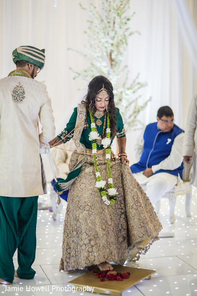 indian bride,indian wedding ceremony floral and decor,indian wedding gallery