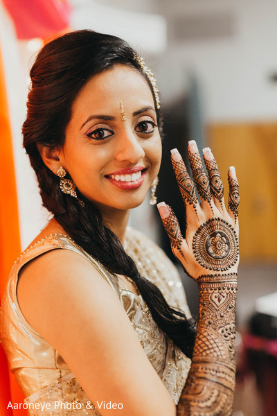 indian bride,indian wedding mehndi,mehndi art