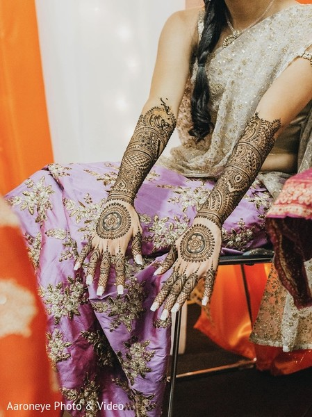 Bridal mehndi inspiration in San Diego, CA Indian Wedding by Aaroneye Photography