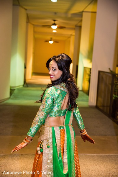 Indian bride photography before garba ceremony in San Diego, CA Indian Wedding by Aaroneye Photography