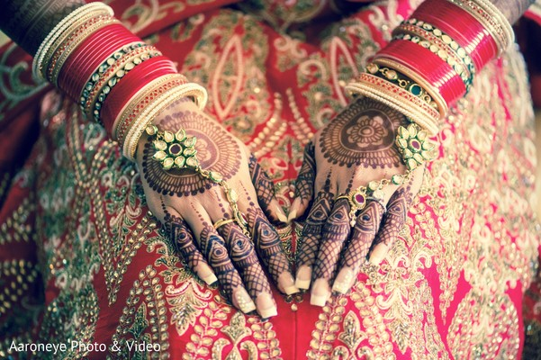 indian bridal mehndi,indian bridal jewelry,indian bride ceremony fashion