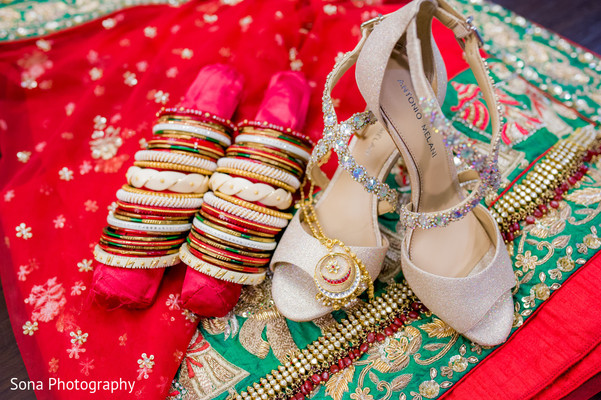 indian wedding shoes,indian bridal bangles,indian bride accessories