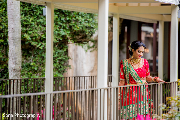 indian bride,indian wedding photography,indian bridal fashions