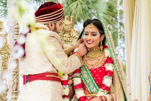 indian wedding ceremony,indian wedding photography,indian groom,indian bride
