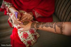 indian wedding mehndi party,mehndi artist