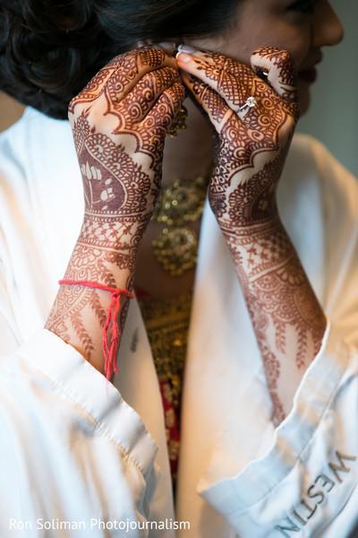 indian wedding mehndi,indian bridal mehndi,indian bride