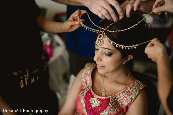 bridal tikka,indian bride getting ready,indian bride hair and makeup