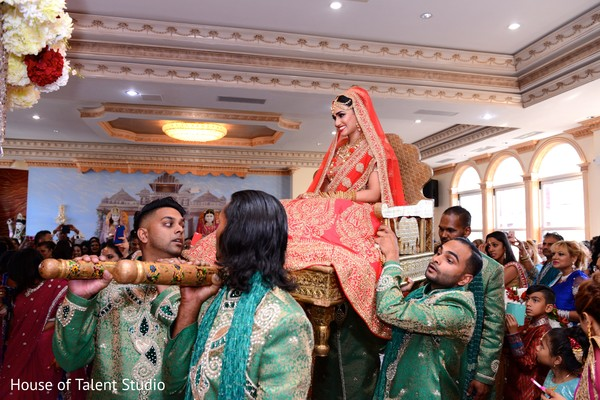 indian wedding ceremony,indian palanquin,indian bride