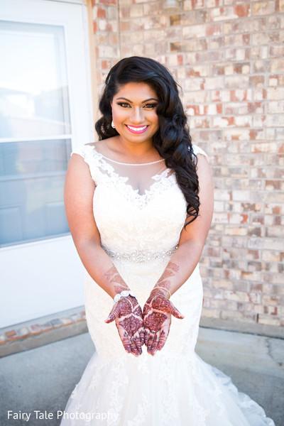 indian bride,indian bridal mehndi,indian wedding henna,indian wedding dress