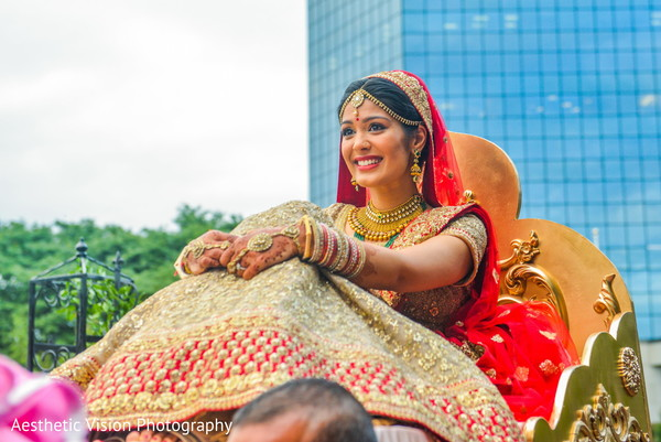 indian wedding ceremony,indian bride,indian palanquin
