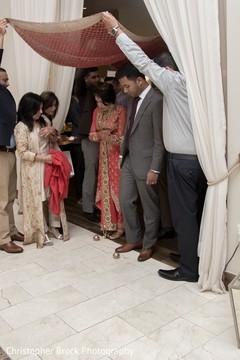 indian wedding gallery,indian bride and groom,indian bride reception fashion