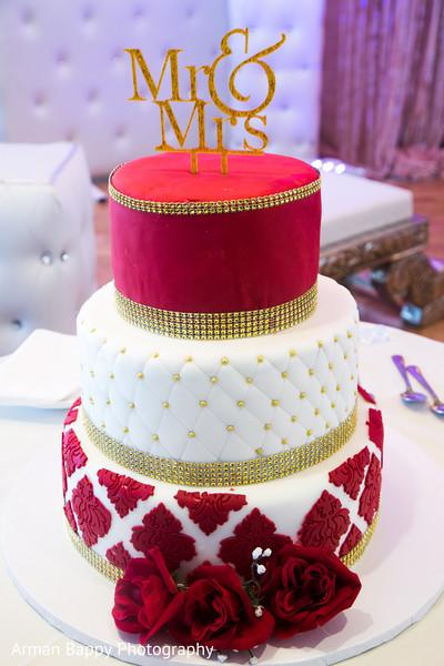 indian wedding reception,indian wedding cakes
