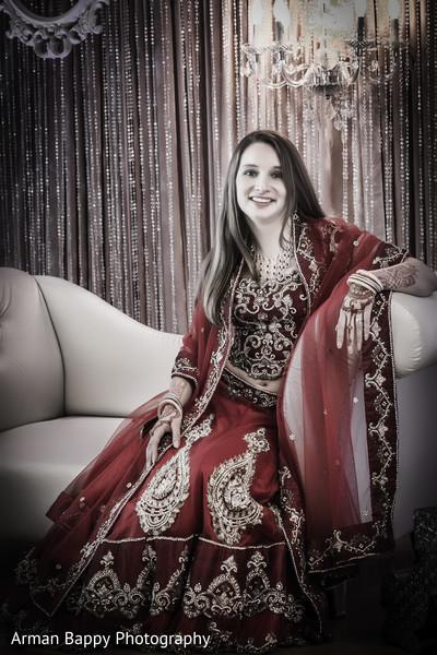 indian wedding photography,indian bride,indian wedding lengha