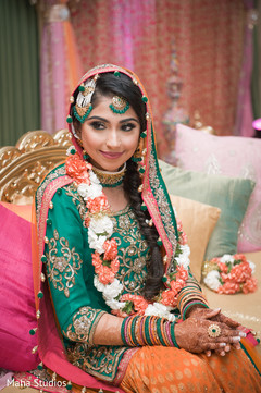 indian sangeet,pakistani bride,indian pre-wedding fashion,anarkali